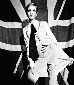 Premium Rates Apply. Minimum rate $500 USD. ***MANDATORY CREDIT Terence Donovan Archive/Getty Images*** British model Twiggy posing in front of Union Jack flag, 1966. (Photo by Terence Donovan Archive/Getty Images)